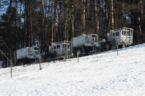 Vibrationsfahrzeuge im Schnee