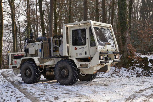 UNIVIB Fahrzeug im Feld