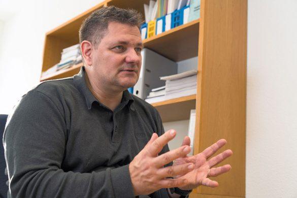 «Ich diskutiere gerne mit der Bevölkerung», sagt Ben Vollmert. «Dabei möchte ich auch komplizierte Themen verständlich vermitteln.»