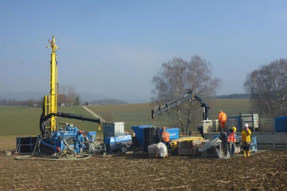 Bohrarbeiten für die 3D-Seismik-Kampagne in Windlach